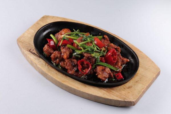 баранина жареная с овощами по-китайски из ресторана